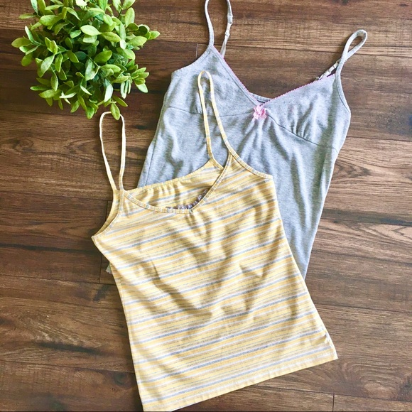 90's Style Camisoles Set of 2 Key Brand Size Small